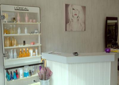 La-Boîte-à-Tifs-Guilers-Accueil-Salon-Coiffure-2-400x284